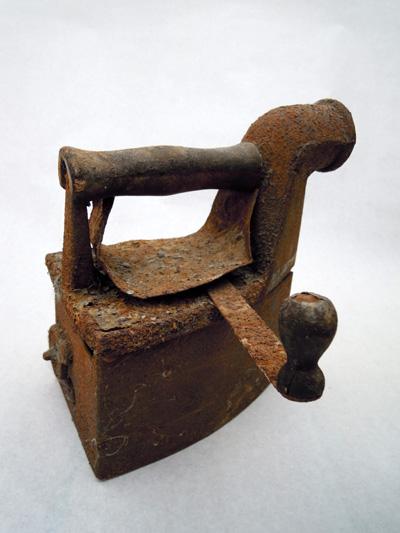 Una plancha vetusta y oxidada