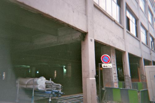 Photo de travaux prise au dessus de la fence, rue Popincourt, 11e
