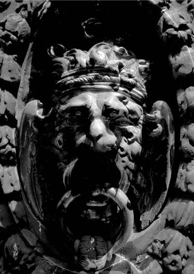 león + hermes